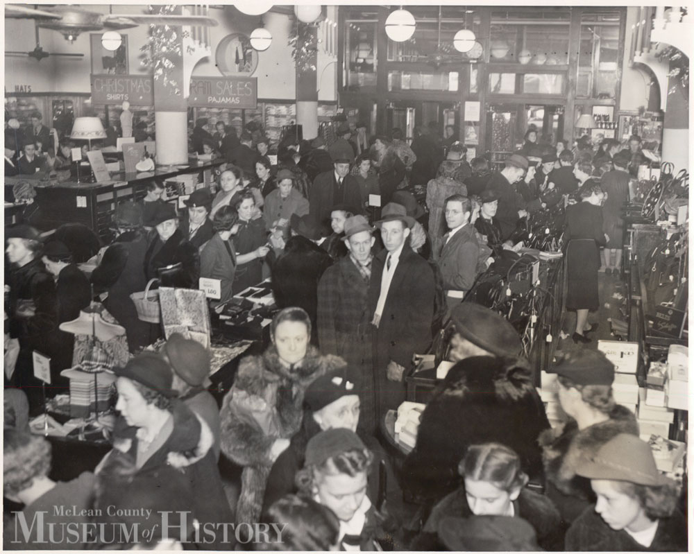 Livingston's Christmas shopping, 1930s.