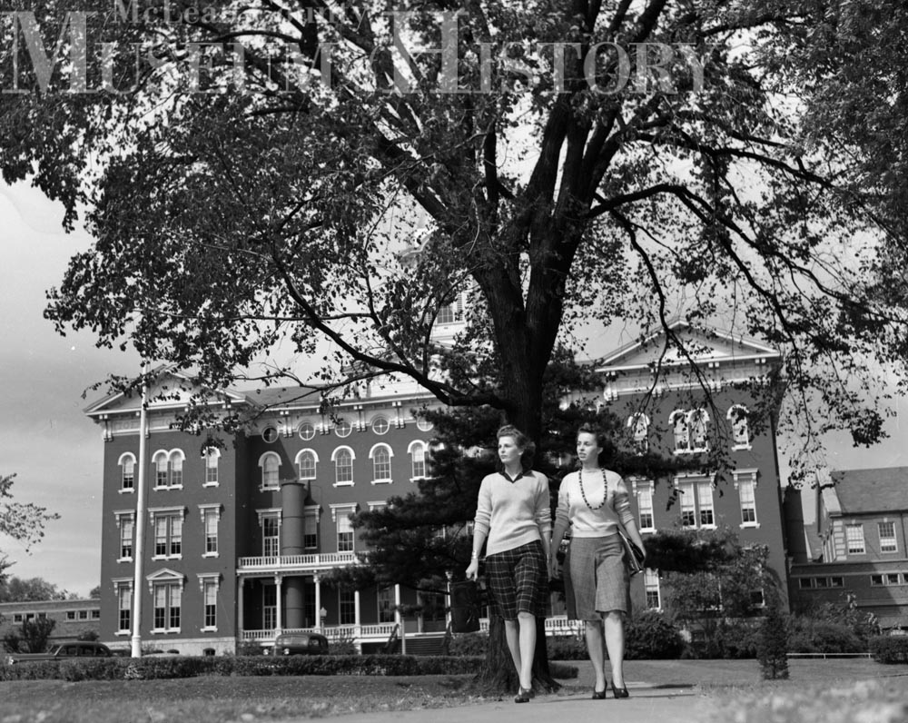 Fashionable Illinois State University women, 1941.