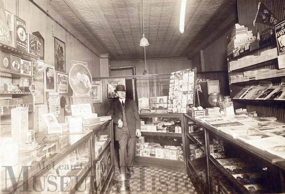 News and cigar shop, 1914