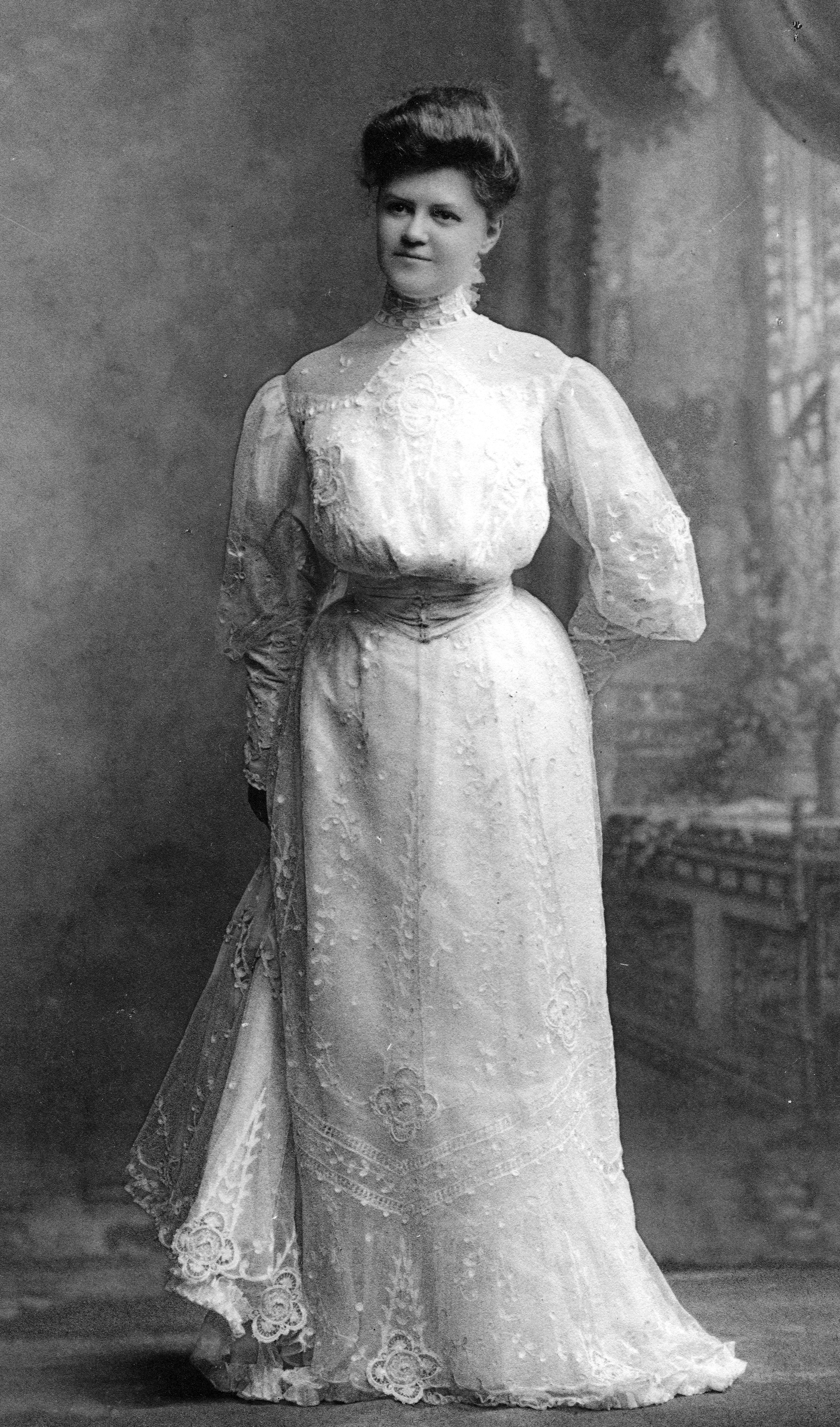 Myrtle Abbott McCarty, married 30 November 1904