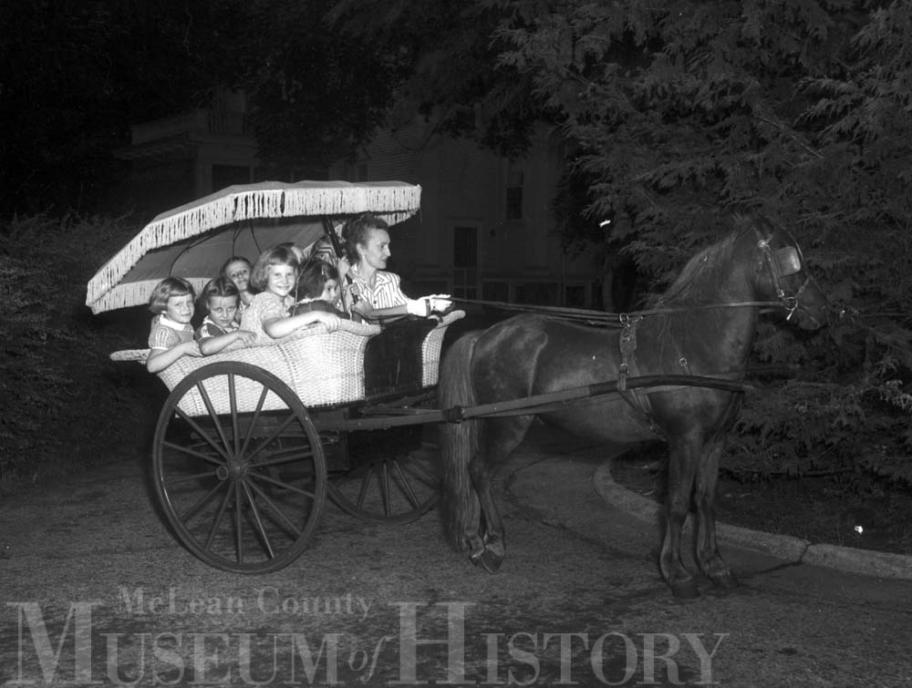 Pony cart ride, 1947.
